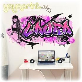 Graffiti en vinilo con el nombre de Laura. Diseños originales en Yayaprint.es